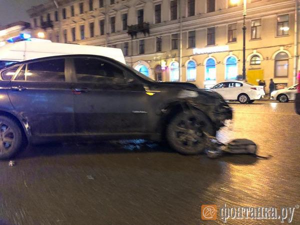 Видео: Как на Невском BMW Х6 убивает гражданина США и москвичку. Еще трое петербуржцев – в больнице