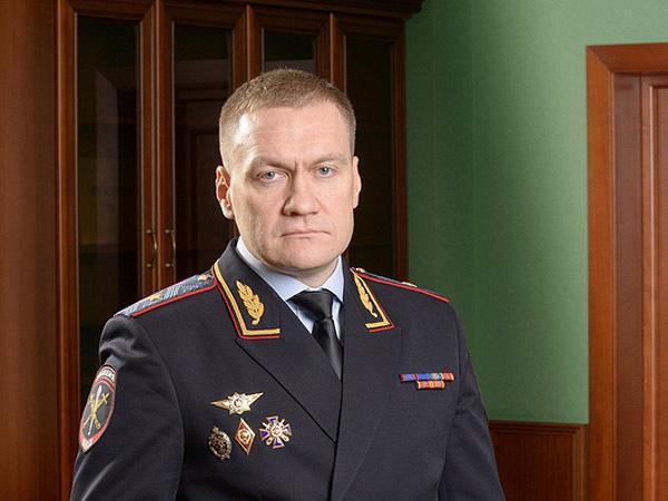 Конец смуты: 25 тысяч полицейских Петербурга под Плугиным
