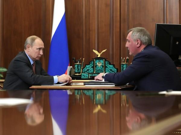 Рогозин рассказал Путину о новой сверхтяжелой ракете. Она полетит к Марсу и Луне