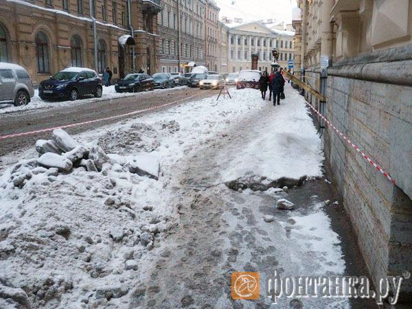Ждите 20 суток, а пока возьмите ленточку: как провалился тест-драйв «горячей линии» по уборке снега в Петербурге