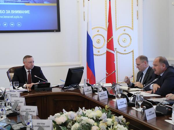 Беглов не будет отвечать депутатам, как Полтавченко. Оппозиция обсудила с врио губернатора коммуникацию