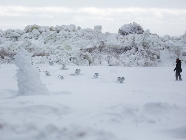 Покори зеленогорский Эверест. На берегу Финского залива выросла ледовая стена высотой с дом
