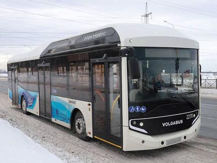 До 100 км/ч за 12 секунд. «Фонтанка» прокатилась на новом электробусе, который выходит на улицы Петербурга
