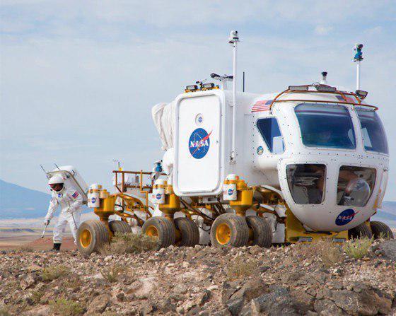 Американский лунный транспортер Lunar Electric Rover (LEP) во время испытаний. Фото NASA.