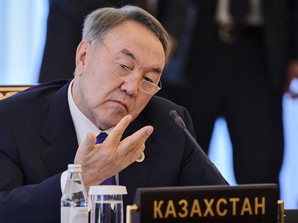 «Многие в России имеют интересы в Казахстане, поэтому Назарбаев ушёл в отставку без предупреждения»