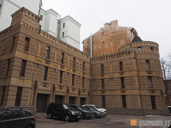 Дворянские трещины. Из-за особняка ювелира Ананова ЛСР идет в суд в четвертый раз