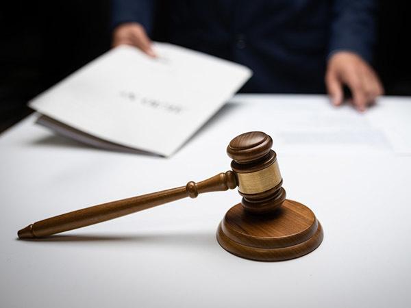 Оскорбить чекиста может каждый. Адвокатам Петербурга не удается развалить «дело адвокатов»