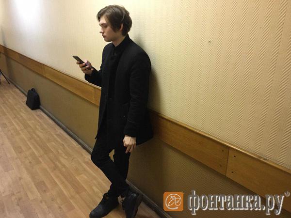 Суд в Петербурге начал пересматривать приговор ловцу покемонов Руслану Соколовскому, но отложил заседание на 13 марта