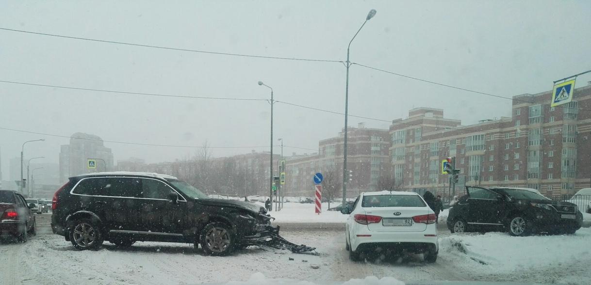 ДТП на Сизова