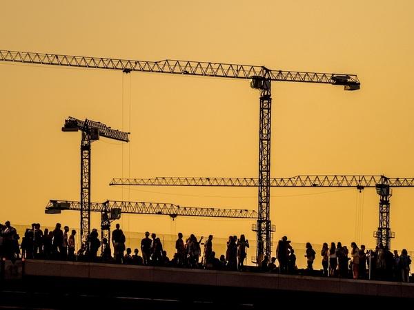 """«""""Зарядья"""" в Петербурге не будет, и слава богу». Почему чиновники не хотят менять Петербург, а урбанисты не могут"""