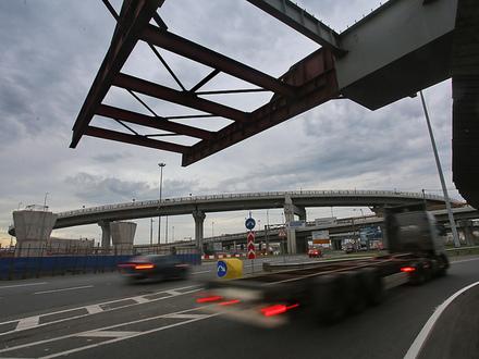 Зона риска М-11. Платная магистраль до Москвы может споткнуться на Софийской