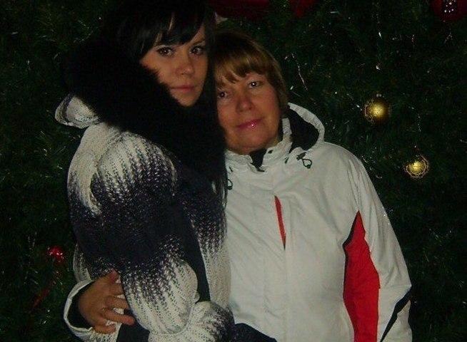 Алена Медянцева с мамой//из личного архива