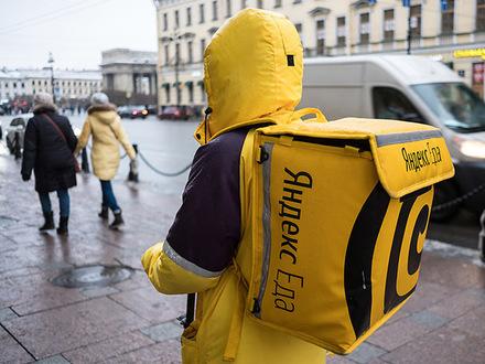 В Петербурге упал замертво с велосипеда курьер «Яндекс.Еды». Коллеги утверждают: он проработал без отдыха 10 часов