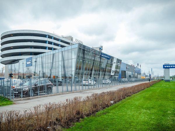 VOLVO CAR FAMILY: у Volvo новый дом в Петербурге
