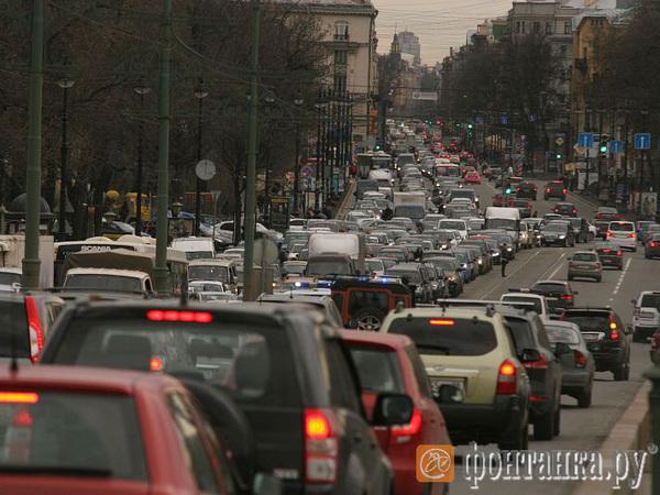 Перекресток шести дорог. Как уехать из Петербурга и не попасть в пробку