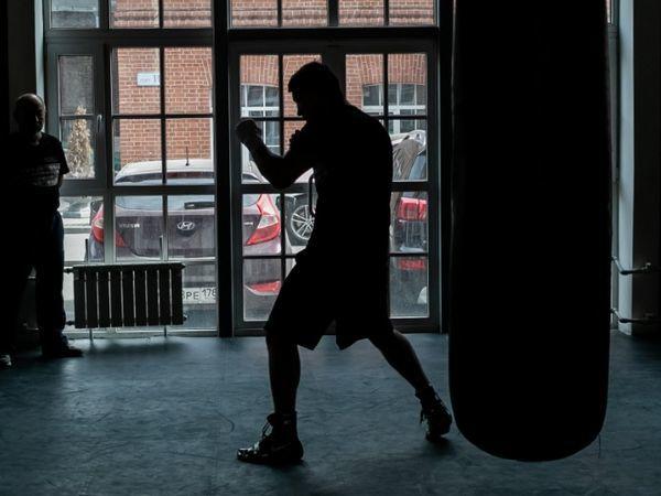 Дмитрий Бивол, чемпион мира по боксу, провел мастер-класс для воспитанников спортшколы «СКА-ЦДС»