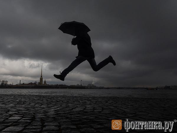 Не выходи из комнаты. Дожди и грозы не покинут Петербург
