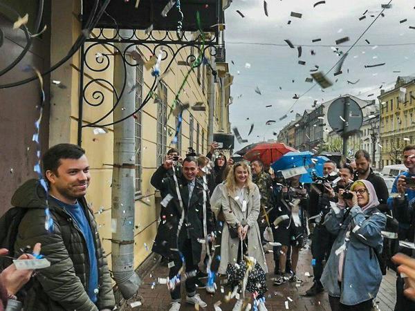 "Александр Шуршев на выходе из ИВС//<a href=""https://t.me/teamnavalny_spb"">Штаб Навального в Санкт-Петербурге</a>"