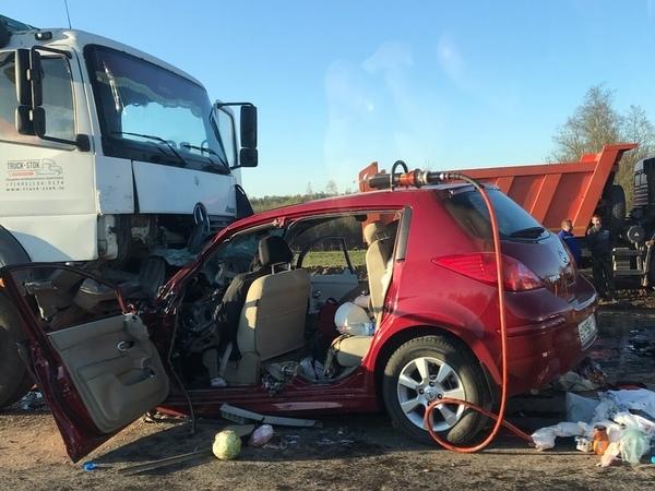 Массовое ДТП на трассе «Кола» 9 мая, один погибший. Фото из vk.com/spb_today