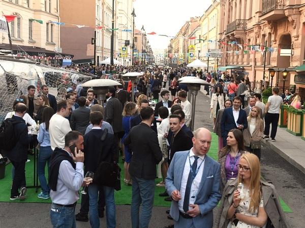 Казус улицы Рубинштейна. Жители готовят акцию протеста против вечеринки юристов