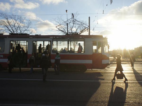 Трамвай до Красного Села уперся в метро и в деньги. До 2027 года