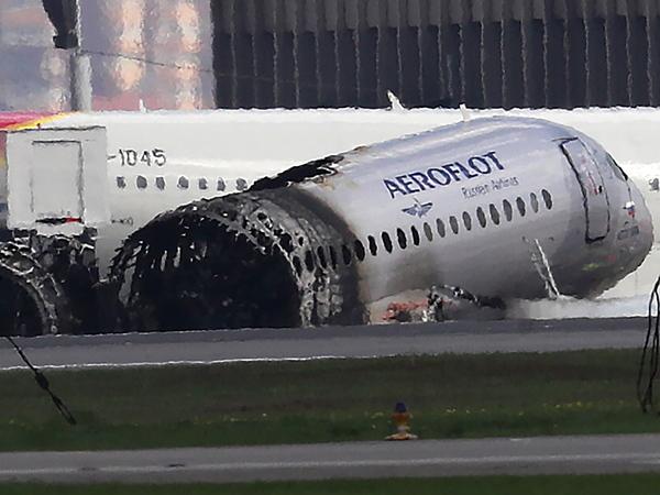 Это им не задавали. Почему пилоты сгоревшего в Шереметьево «Суперджета» могли не справиться с управлением
