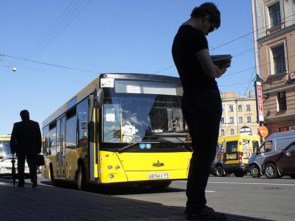 300 маршрутов в минус, сотня в плюс. Как Смольный собирается менять маршрутки на автобусы