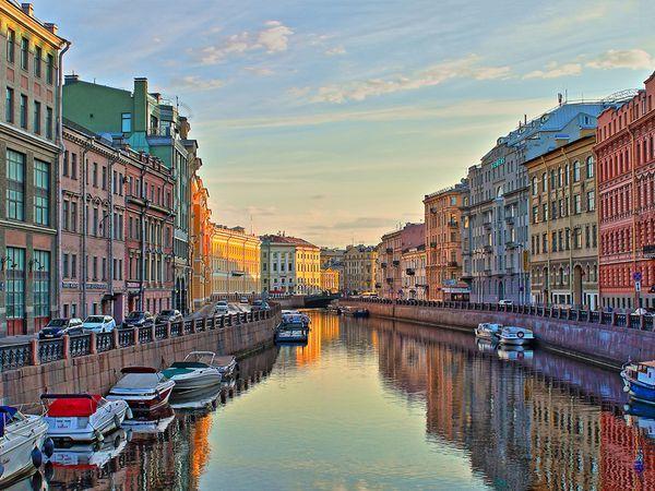 Половина петербуржцев предпочитает не менять район проживания при выборе новой квартиры для жизни