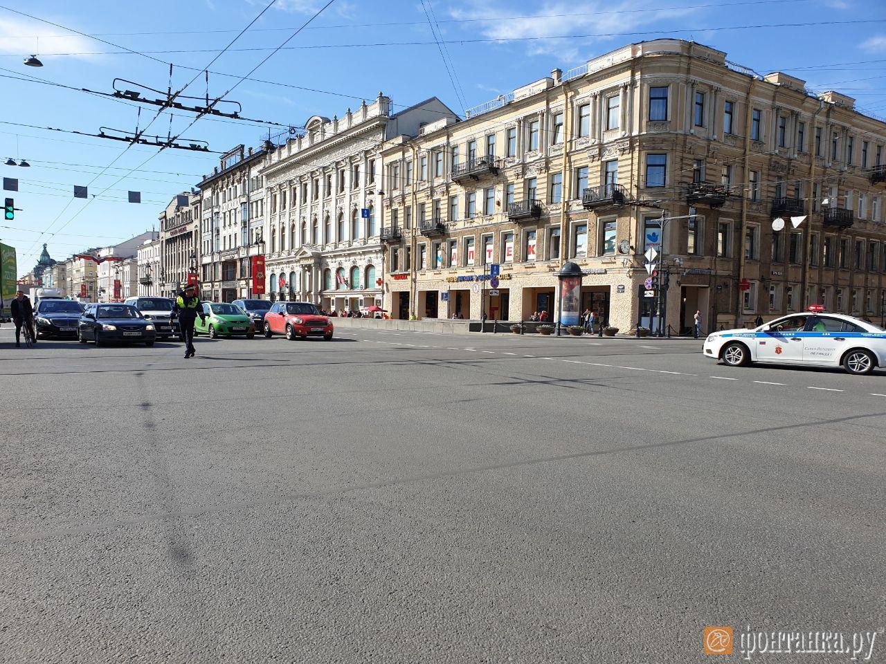 Перекрытый Невский проспект