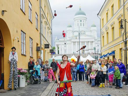 Бесплатный концерт с Вилле Вало, экскурсия по парламенту и сауна-юрта. Хельсинки отпразднует 469-летие в День России