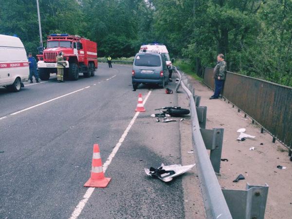 Под Выборгом разбился мотоциклист. За полгода у него набралось 5 неоплаченных штрафов