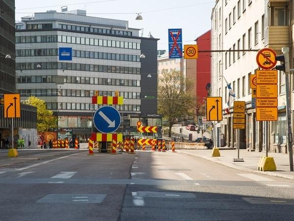 Шипы и косули. В Финляндии появятся новые дорожные знаки