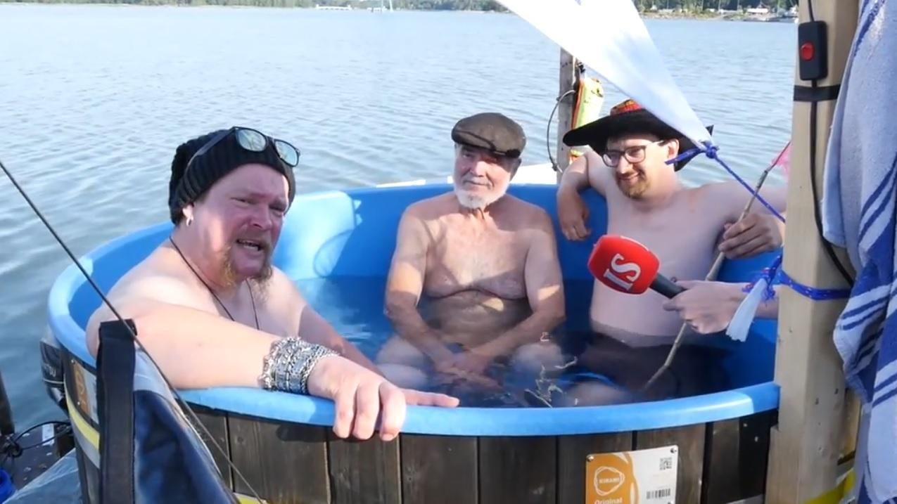 «Три мудреца в одном тазу...» Вилле Хаапасало и ещё двое финнов плывут из Хельсинки в Таллин на плоту с бассейном