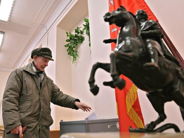 В Петербурге не могут найти управу на тайные муниципальные выборы, но в ЦИКе «кое-что придумали»