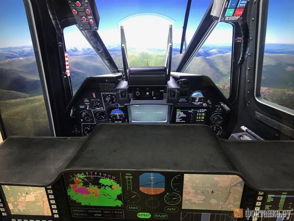 «Для пуска ракеты свайпните вправо». Петербургская компания предлагает военным летчикам управлять по-новому