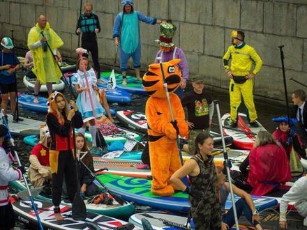 «Фонтанка-SUP» – самое необычное приключение лета на воде в Петербурге