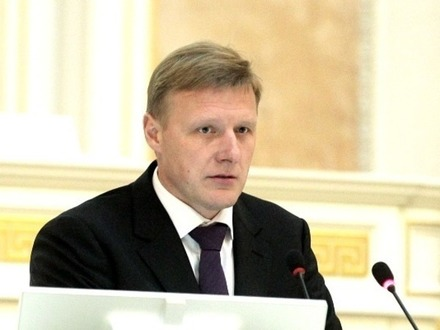 Лидер фракции ЛДПР в ЗакСе и кандидат в губернаторы Олег Капитанов