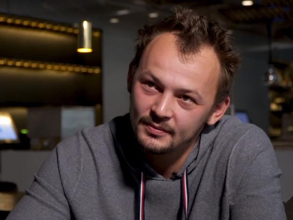 на фото: ресторатор Дмитрий Блинов/ скриншот с канала  /www.youtube.com/  Алтэк