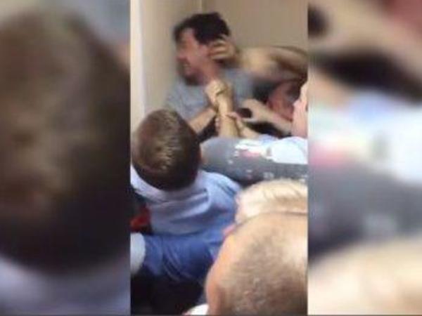 Главу штаба Навального в Петербурге избили у избиркома «Екатерингофского», на Ржевке кандидатов чуть не задушили