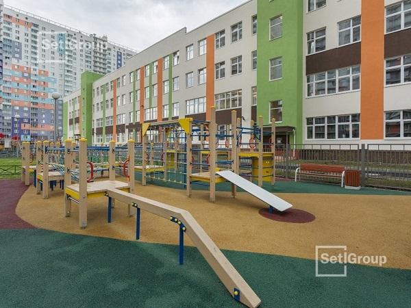 Setl Group построил школу с двумя бассейнами в Красногвардейском районе