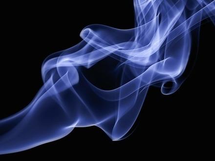Пар уходит в тень. Легальные электронные устройства для курения могут исчезнуть из продажи из-за новых акцизов