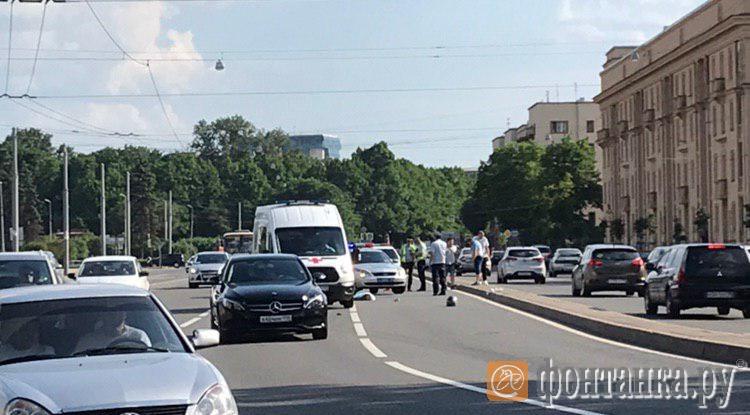 Мотоциклист, из-за которого погибла пассажирка вПетербурге, схвачен — ГИБДД