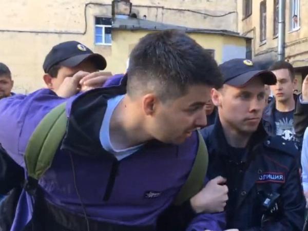 «Отметочку поставьте – и до свидания». Как полиция в судах просила ареста Горожанко и Врански