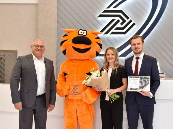 В Группе «Эталон» поздравили 6000-го покупателя с начала 2019 года