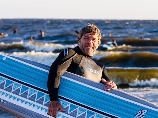«Первые 12 сапов в Петербург привезли из Китая». История сапсёрфинга на берегах Невы