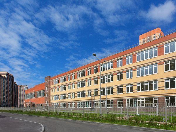 В жилых комплексах «Главстрой Санкт-Петербург» введены в эксплуатацию восьмой детский сад и четвертая школа