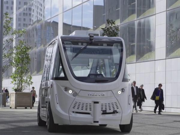 Хельсинки обкатывает роботы-автобусы: будущее приближается со скоростью 17 км/ч
