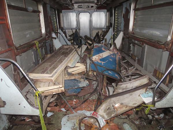 «Фонтанка» показывает вагон петербургского метро, в котором подорвался смертник. У защиты вещдок вызвал недоумение