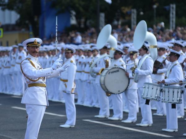 В одном строю с «Фонтанкой». Главный военно-морской парад в онлайн-режиме