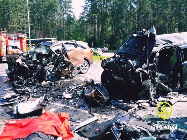Число жертв ДТП на Киевском шоссе выросло до пяти: одна из двух выживших скончалась в больнице